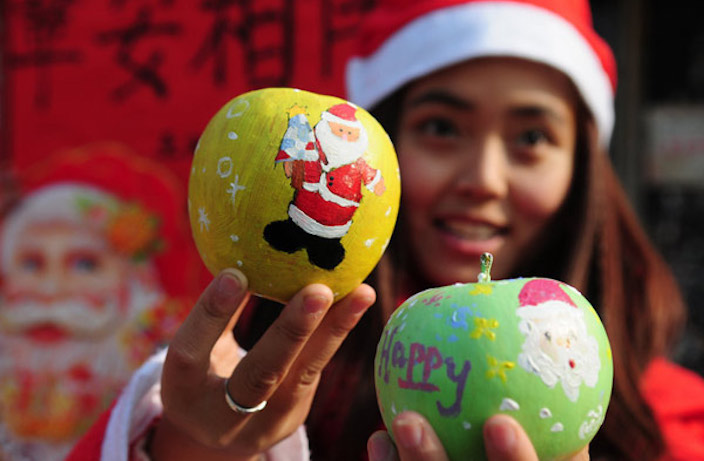 Explainer: Why China Celebrates Christmas with Apples