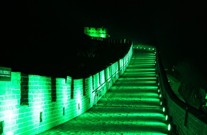 Historic landmarks from across the globe are going green for St. Patricku0027s Day and China is no exception. & PHOTOS: Great Wall Turns Green for St. Patricku0027s Day u2013 Thatu0027s Beijing