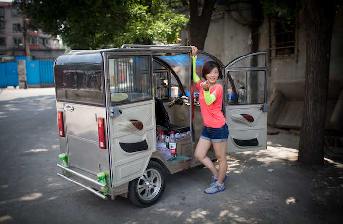 Duo Attempts to Travel Across China in Tuk-Tuk