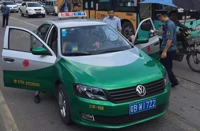 Shenzhen's Green Taxis are Still Ripping Off Customers