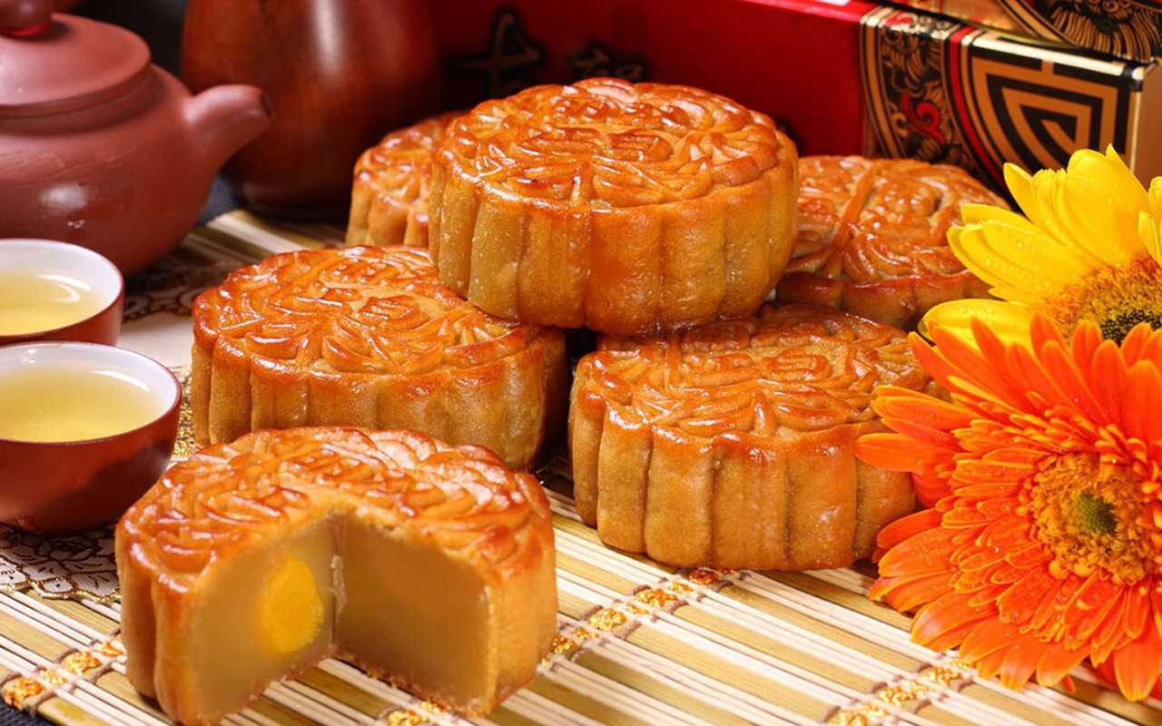 Mooncakes served at Mid-Autumn festival in China