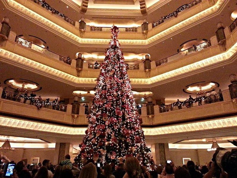 Christmas_trees_Emirates_palace.jpg