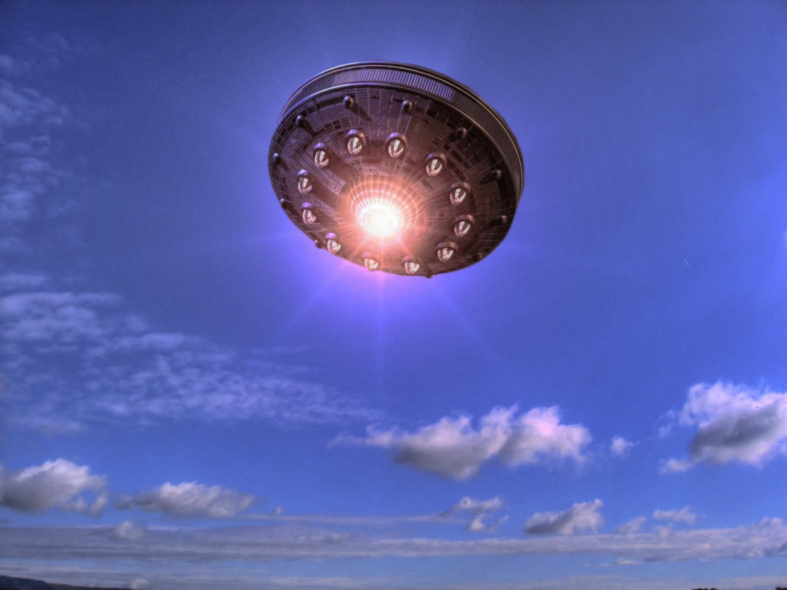 the history of the ufo sightings A timeline of ufo sightings events unidentified object reported to have crashed in shag harbor at least a dozen persons reported seeing the row of lights descend into the water, but as yet no trace of any debris has been found either on the.