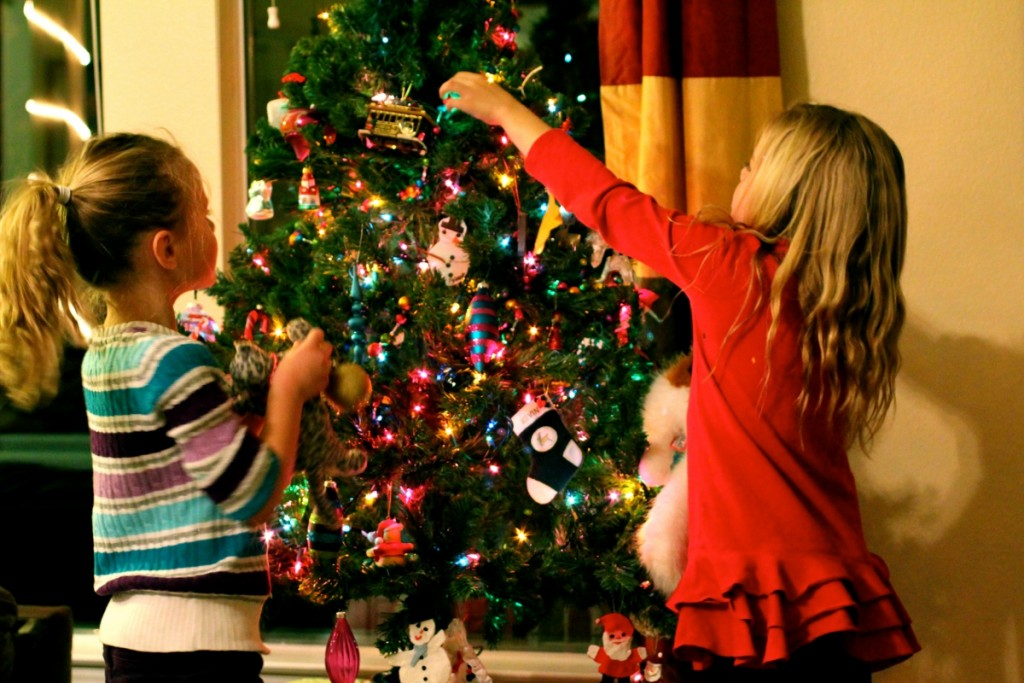 christmas tree decorating ideas for kids 10 1024x683 - Christmas Tree And Decorations
