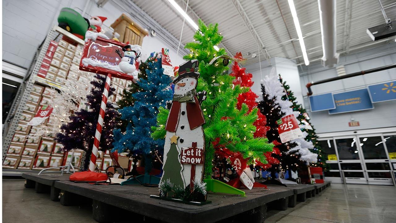 Where to find christmas trees and decor in shenzhen that for Purchase christmas decorations