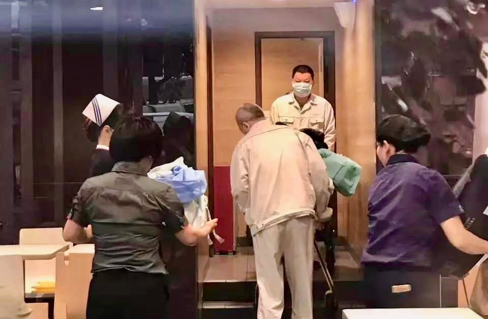Ronald mcdonald detained by chengguan in guangzhou that for Giving birth in bathroom