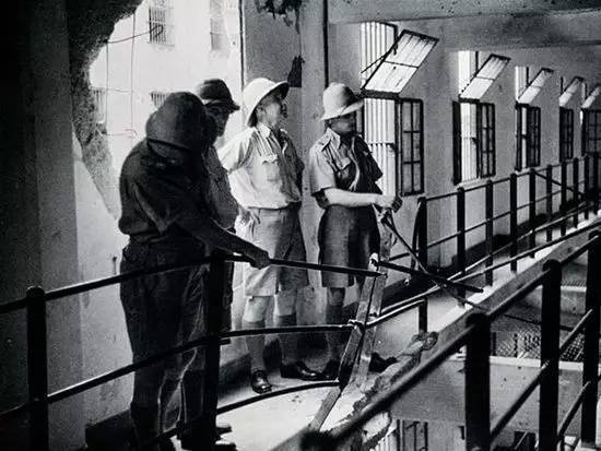 British and Sikh staff at Tilanqiao Prison