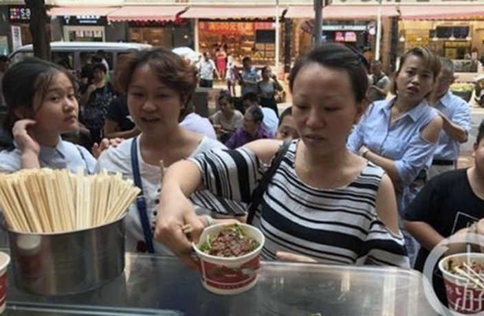 Man Buys Noodles for 5,000 People After Lost Engagement Ring Returned in China