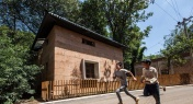 HK Architects Build Earthquake-Proof Home with Rubble in Yunnan