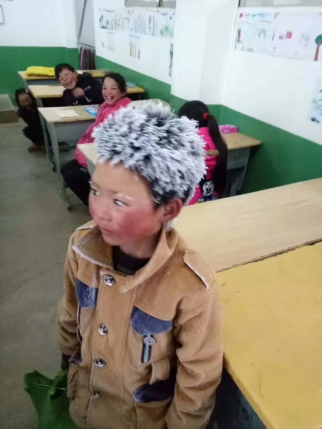 Snow Boy goes Viral in China