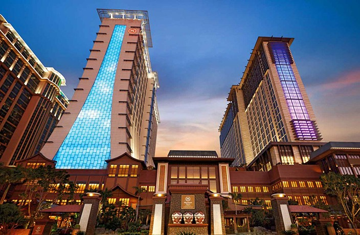 3 Days at Sheraton Grand Macao PLUS Flights Just ¥2,370