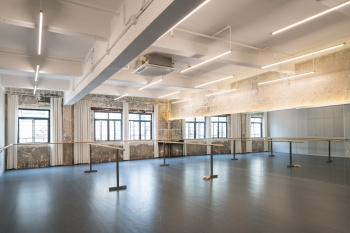 Zy Dance Studio