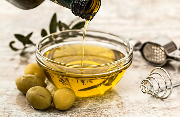 Cook Gourmet Meals at Home with This 100% Extra Virgin Olive Oil