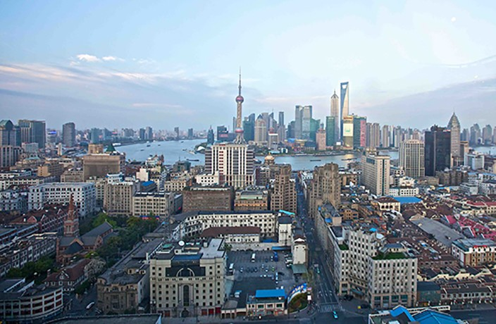Shanghai Joins ¥1 Trillion Club in First Half of 2018