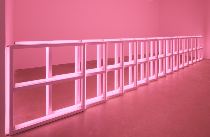 Installation-view-Dan-Flavin-Untitled-1974-Flavin-Judd-McCracken-Sandback-David-Zwirner-Hong-Kong-2018.-1-.jpeg