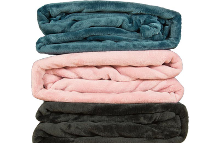 Turn Winter into Spring with These Ultra-Comfortable Blankets
