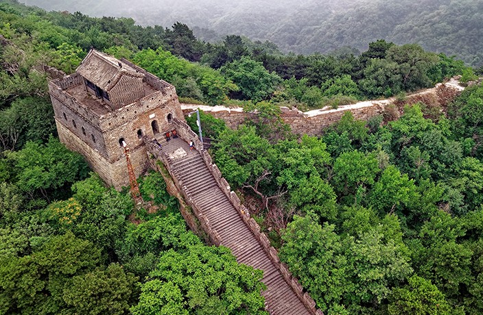 Beijing Sets Out to Renovate the Hiker-Frequented Jiankou Great Wall