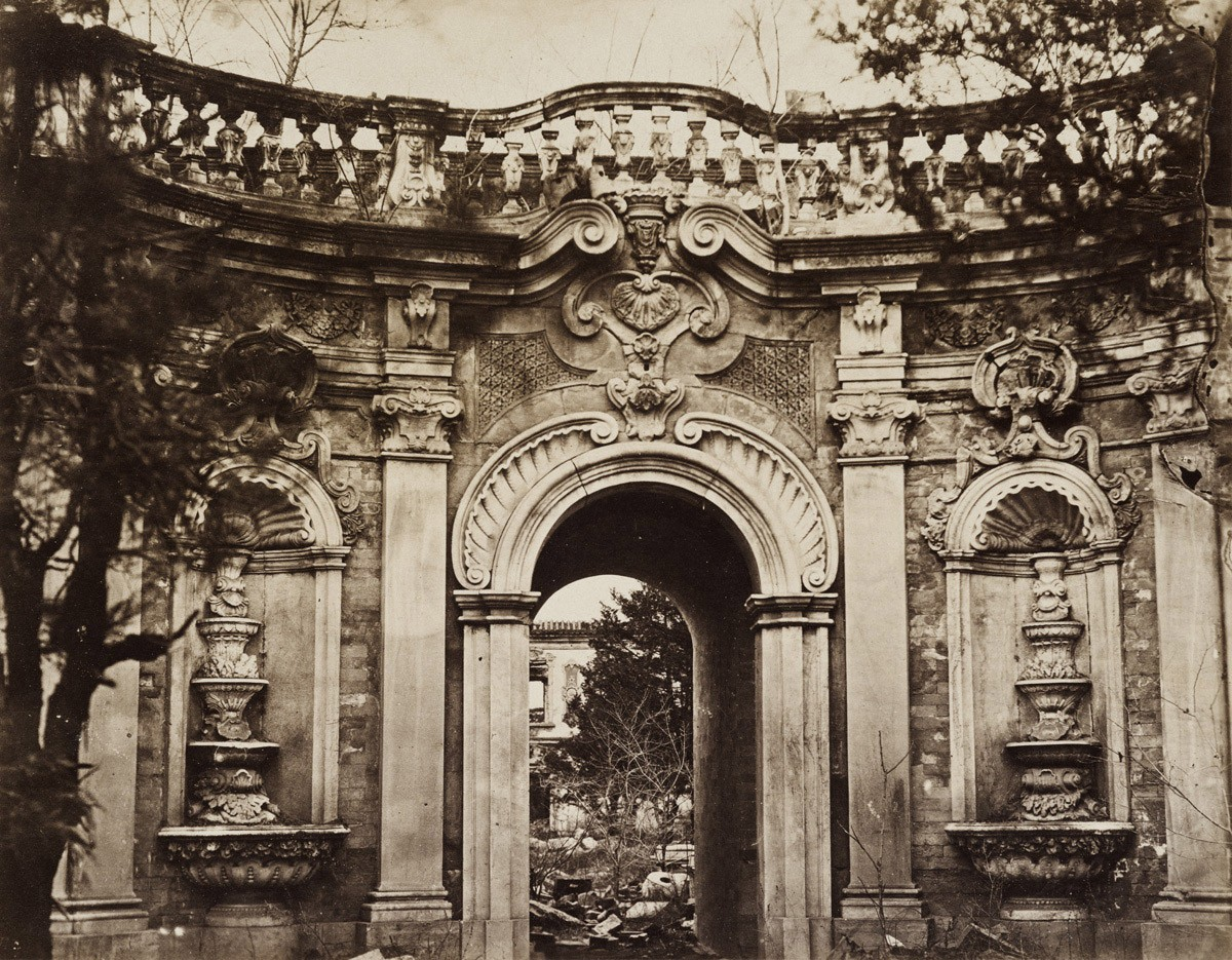 Thomas-Child--Fountains-Gate--Old-Summer-Palace--Yuanmingyuan--Beijing--1870s-Albumen-print-22-cm-x-29-cm.jpg