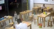 Man Leaves 2-Year-Old in Shop as Collateral for Bill in South China