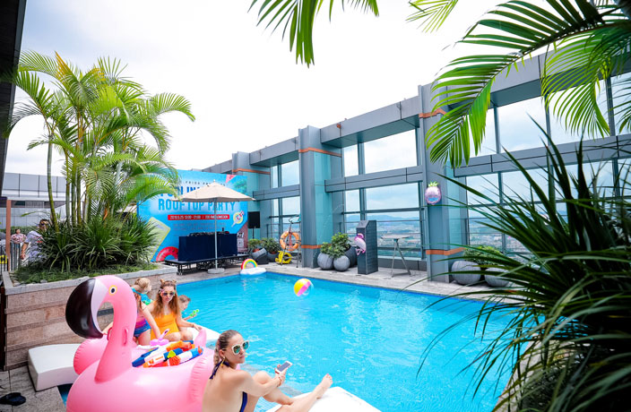 This Hard Rock Hotel Pool Party Was the Perfect Summer Kickoff