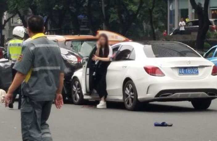 Netizens React to Yesterday's Horrific Car Accident in Guangzhou