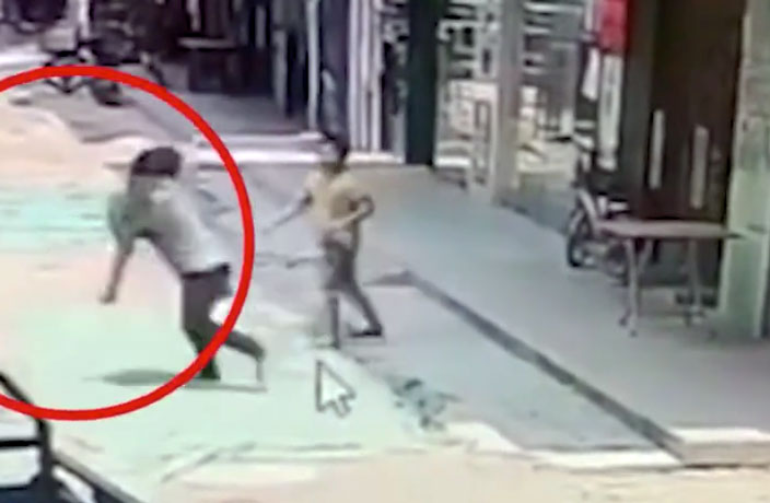 Man Snatches 3-Year-Old Boy in Broad Daylight in South China