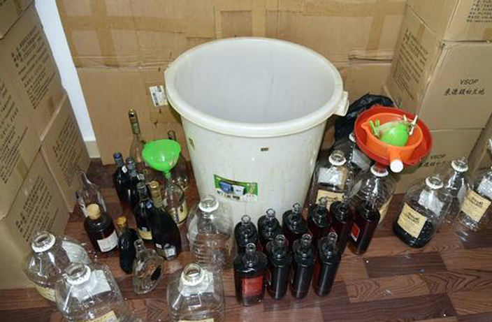 6 Arrested in Fake Alcohol Ring in South China