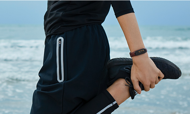 Meet Your Workout Goals with This Awesome Fitness Tracker