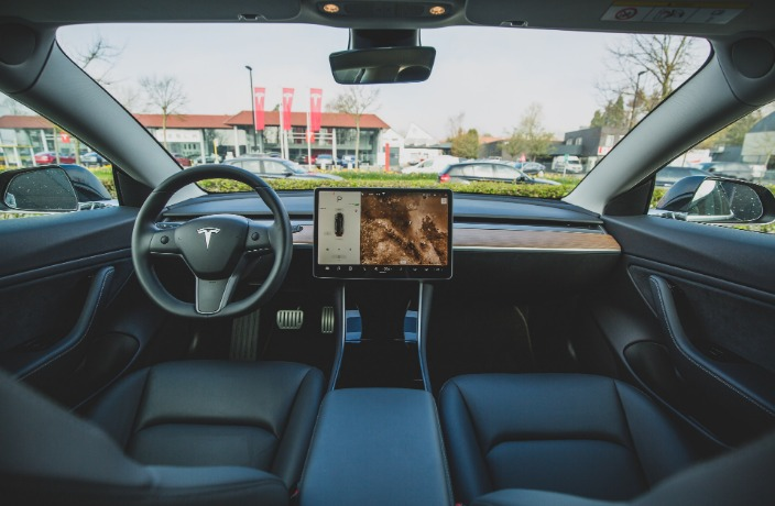 Chinese Buyers Complain Over Tesla Self-Driving Computer Chip