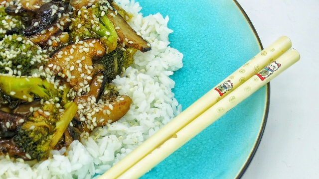 Veggie Mama's Sesame Shrooms & Broccoli Recipe