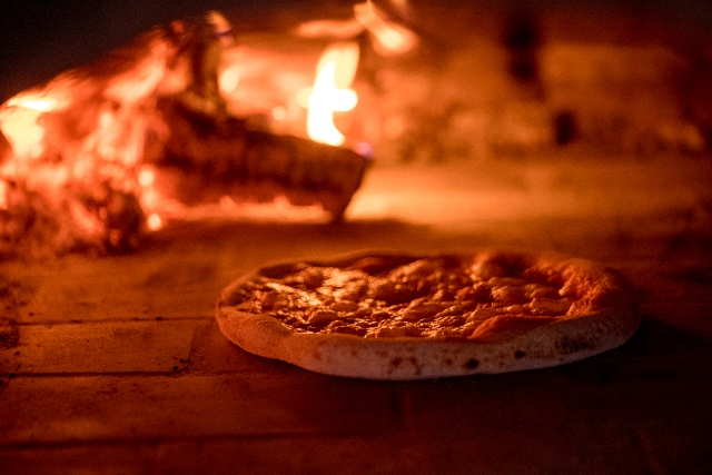 The-Apartment_Pizzas_cooking-scene_-02.jpg