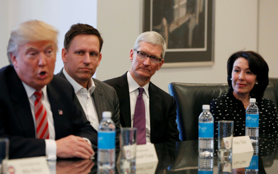 Trump---Apple---Oracle---Cook---Catz.jpg