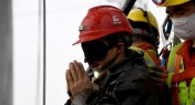 11 Miners Rescued 14 Days After Gold Mine Explosion in China