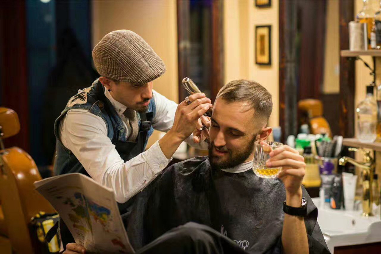 Shanghai's Celebrity Barbershop Cultura Expands to Jing'an