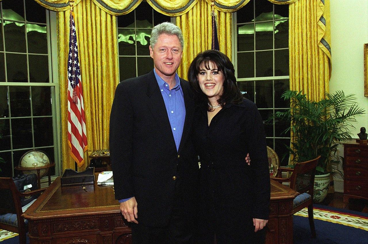 1280px-Bill_Clinton_and_Monica_Lewinsky_on_February_28-_1997_A3e06420664168d9466c84c3e31ccc2f.jpg
