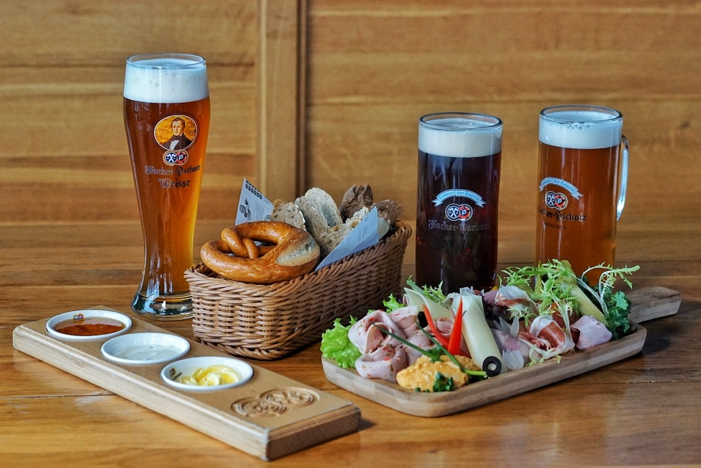 Free Flow German Beer & Food for Just ¥350