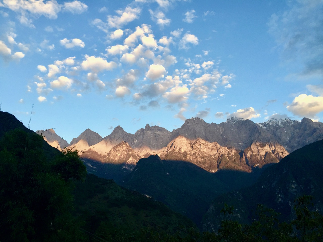 tiger-leaping-gorge-sunset