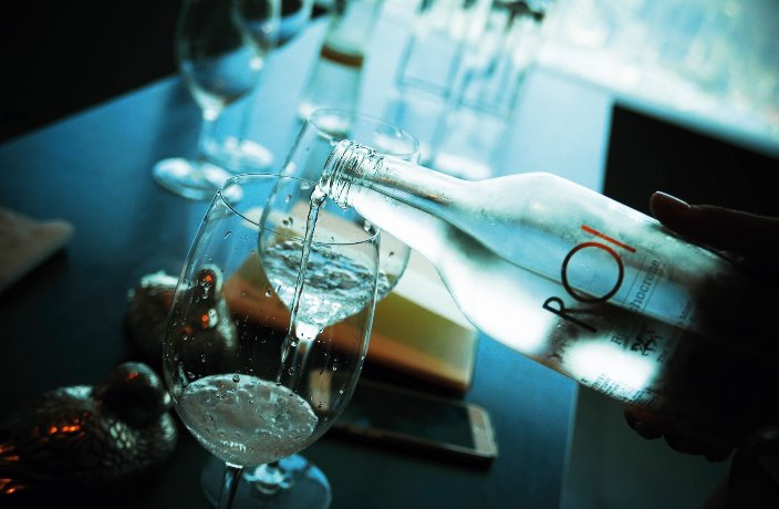 Drinking with China's Master Water Sommelier