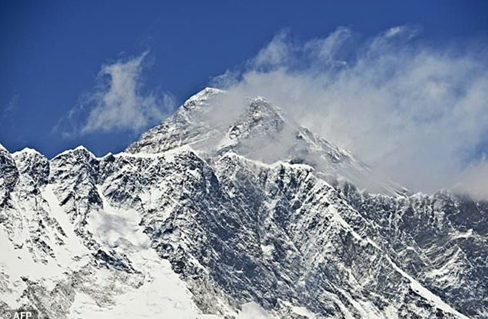 China 'Closes' Mount Everest After Foreigner's Illegal Tibet Crossing