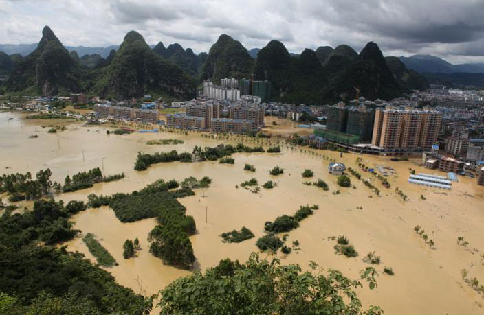 Flooding-in-South-China-Kills-17--Thousands-Relocated-2.jpg