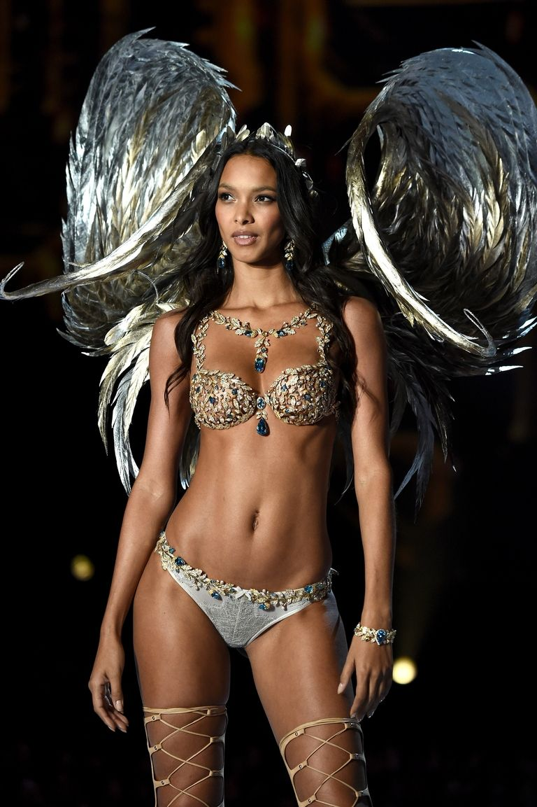 Lais Ribeiro wears the Fantasy Bra in Shanghai