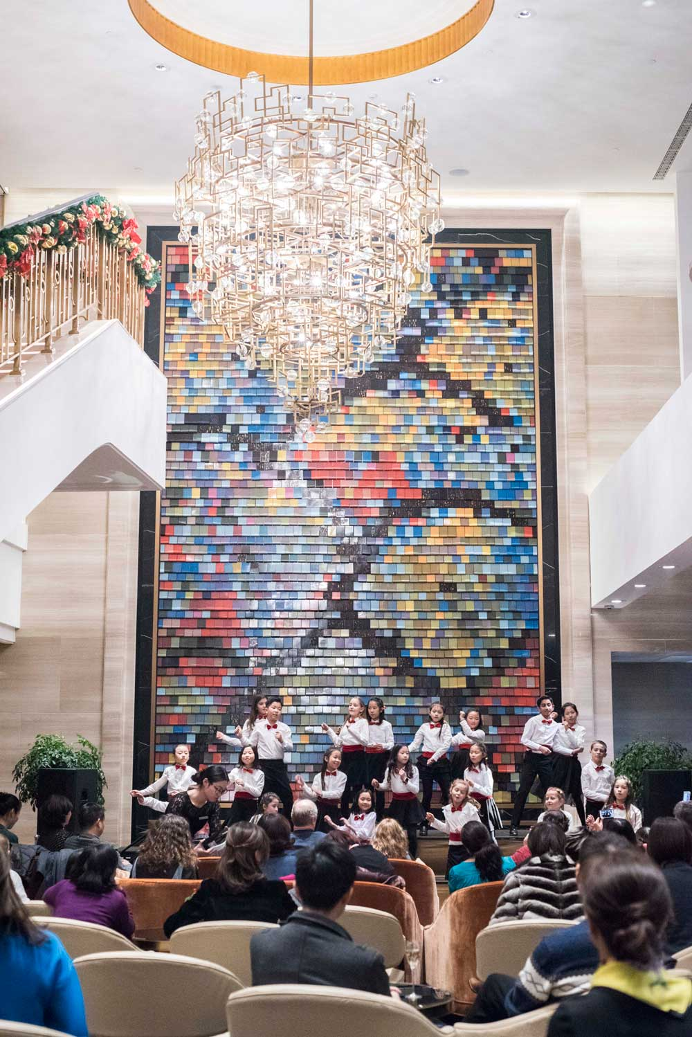 Waldorf Astoria Chengdu Holds Charity Christmas Choir Cocktail