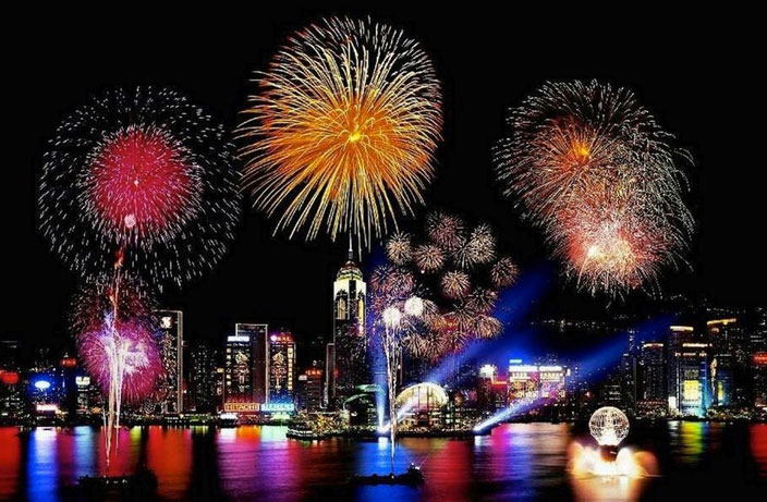 Hong Kong Cancels CNY Fireworks to Mourn Bus Crash Victims