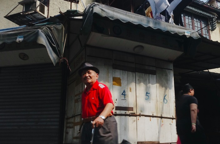 Snapshots of Shanghai's Disappearing Laoximen Neighborhood