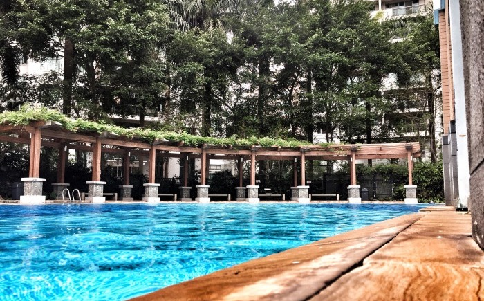 xiangsheli-apartment-shenzhen-pool.jpg