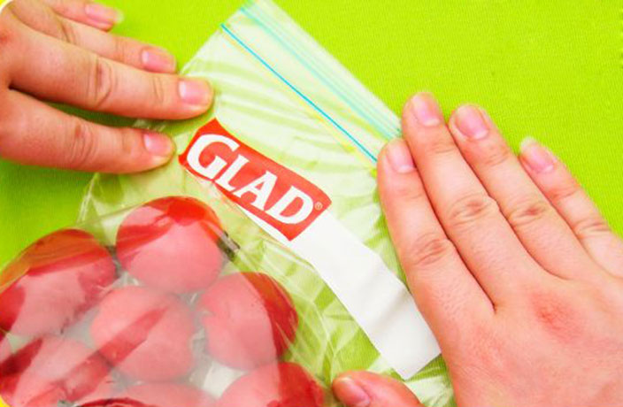 Keep Your Food Fresh with These Glad Double Lock Resealable Bags