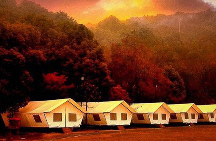 Explore the Great Outdoors on This Christmas 'Glamping' Getaway