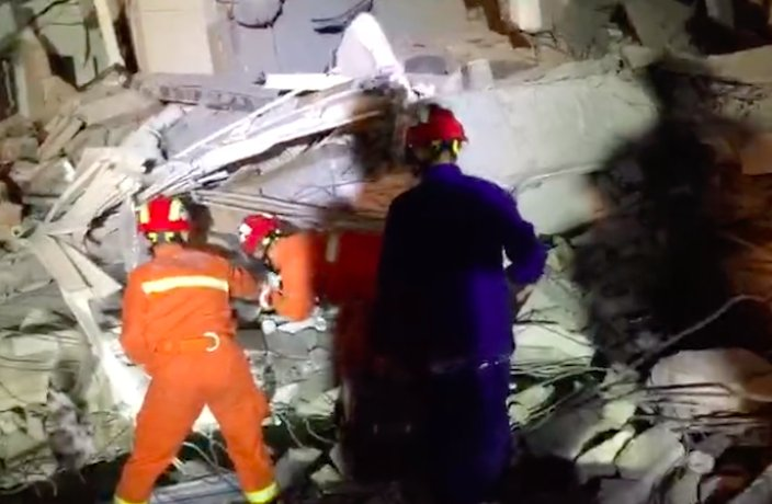 1 Dead After Residential Building Collapse in South China