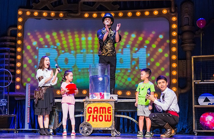 WIN! Go Backstage at the Kid-Friendly 'That Physics Show'