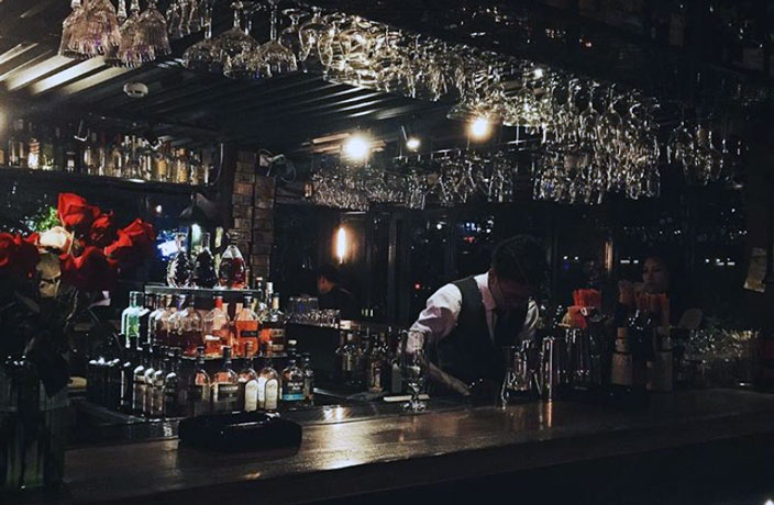 Iconic Guangzhou Bar Shuts Down After Decades of Pouring Pints